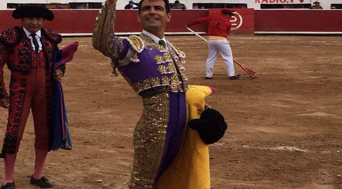 Oreja para Arturo Macías en Caxuxi, Hidalgo