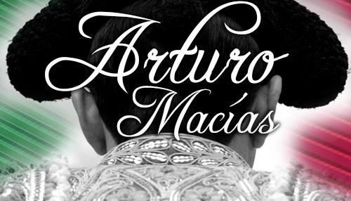 Intenso mes patrio para Arturo Macías