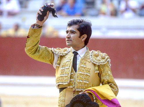 Joselito cosecha una oreja en Vitoria, España
