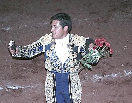 El Sevillano triunfa en Tenamaxtlán
