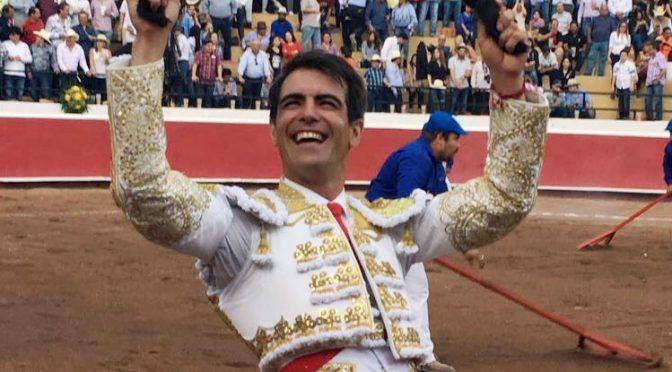 Arturo Macías indulta en Jalostotitlán