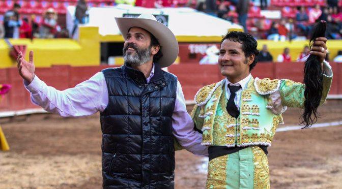 Angelino de Arriaga triunfa en Pachuca
