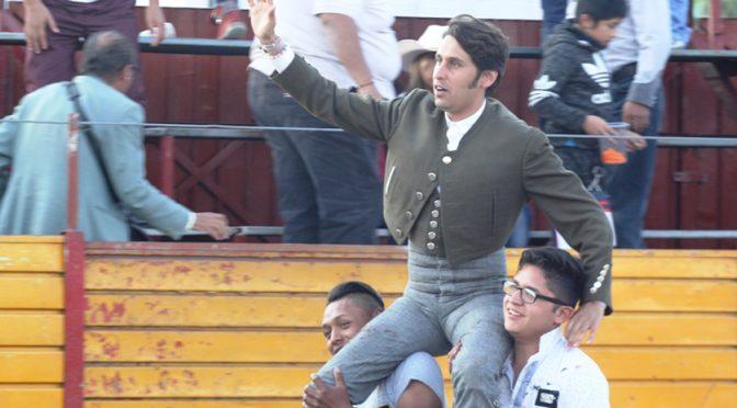 Pepe López triunfa en festival en Chimalhuacán