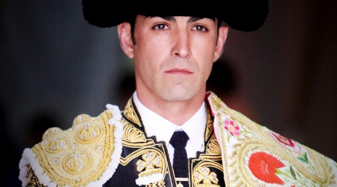 Arturo Macías se solidariza con México