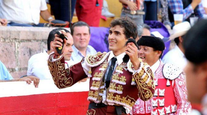 Octavio López triunfa en novillada de San Miguel El Alto