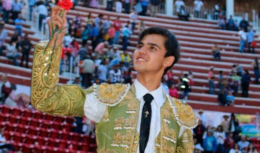 """Orejas y """"Escapulario"""" para Diego Sánchez en Zacatecas"""
