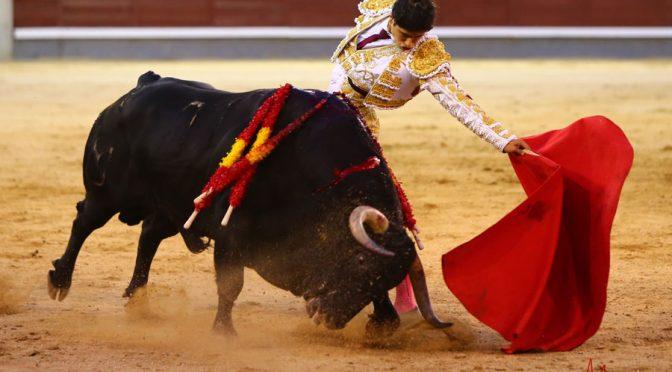 Luis David Adame ovacionado en Las Ventas