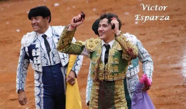 Dos orejas para Miguel Aguilar en la México…(Fotos)