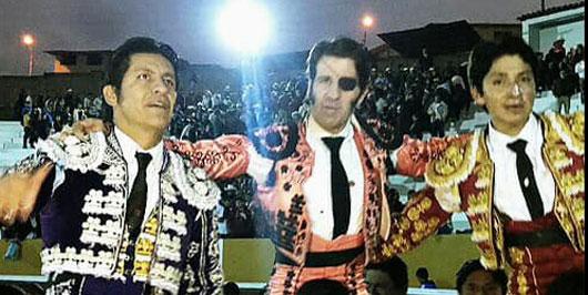 Zapata triunfa en Perú y sale a hombros