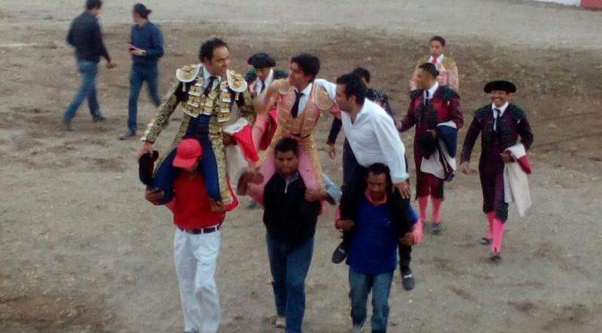 """A hombros Angelino  y """"el Mojito"""" en San Andrés"""