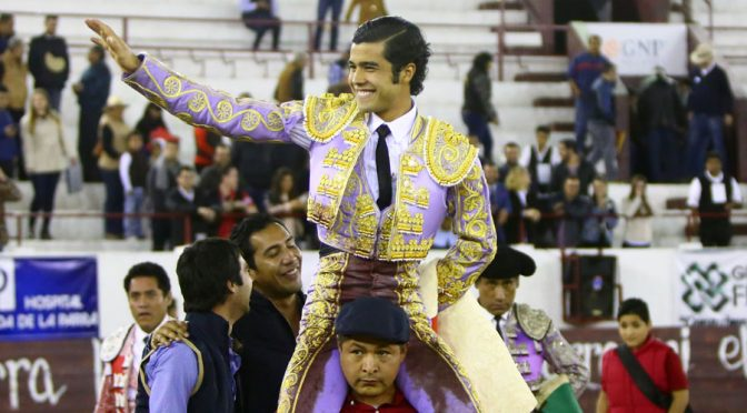 Diego San Román, triunfa en novillada de León