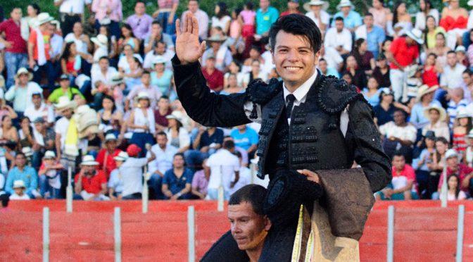 Fernando carrillo triunfa en Cimitarra, Colombia