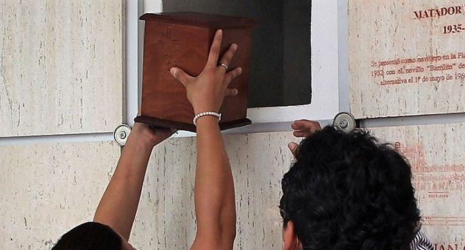 Ceniza de Mario Aguilar están ya en el mausoleo taurino de Aguascalientes