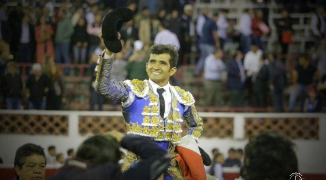 Corta orejas y rabo Joselito Adame en Querétaro