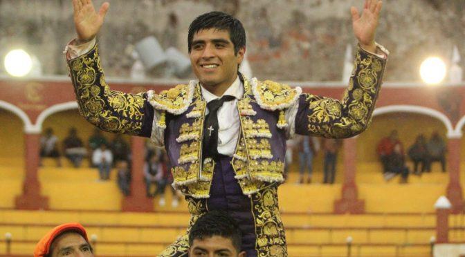 Sale a hombros Pepe Nava de la Ranchero Aguilar