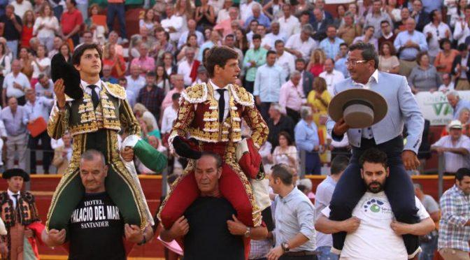 El Juli y Roca Rey a hombros en Sanlúcar