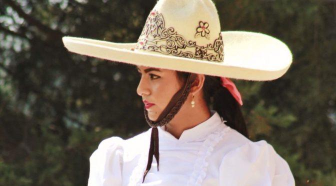 Karla, una belleza con esencia taurina y charra