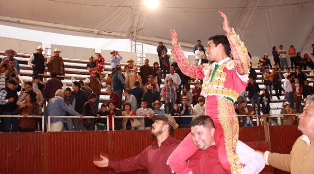 Se engrandece Sergio Flores..(Fotos)
