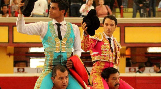 Fabián Barba y Gerardo Rivera a hombros en Teziutlán