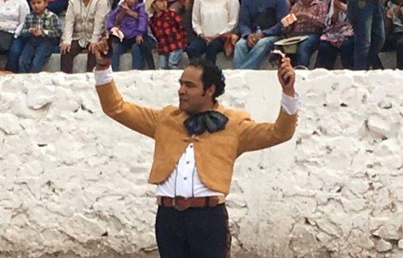 Triunfa José Luis Angelino en festival de Ajacuba, Hgo.