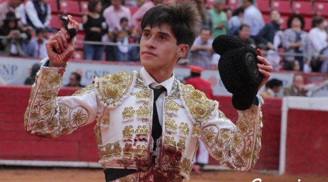 Sebastián Ibelles corta la única oreja en La México; El Galo es herido