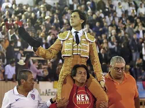 Roca Rey sale triunfante en Morelia